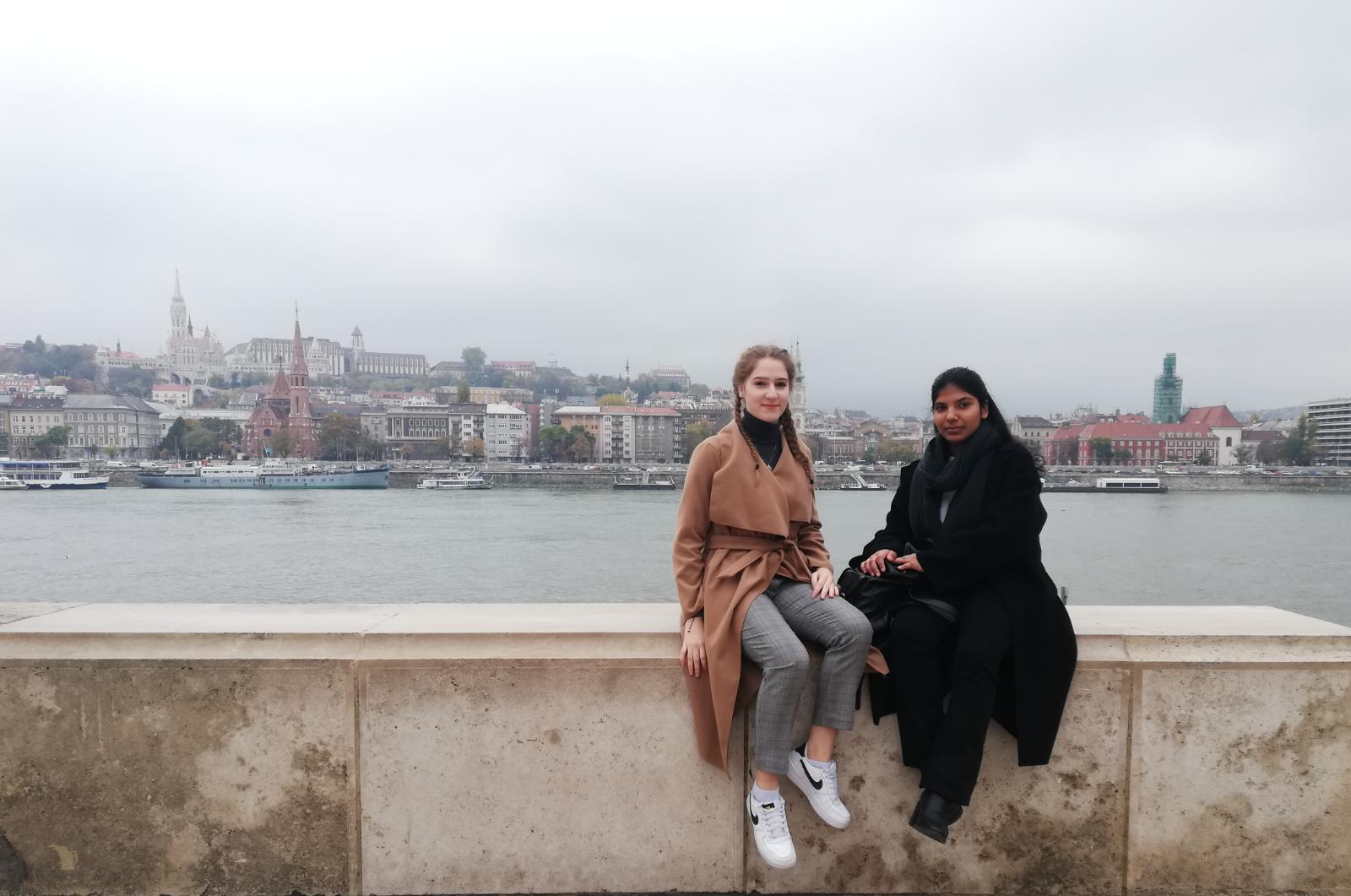 Rundgang Pest - Blick nach Buda